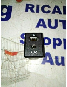 PRESA USB AUX TUNNEL...